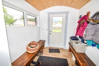"""Photo 2: 3915 12TH Avenue in Smithers: Smithers - Town House for sale in """"Hill Section"""" (Smithers And Area (Zone 54))  : MLS®# R2370725"""