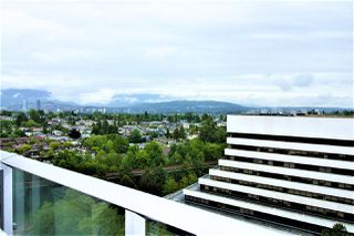 Photo 8: 2006 5665 BOUNDARY Road in Vancouver: Collingwood VE Condo for sale (Vancouver East)  : MLS®# R2372243