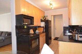 Photo 4: 308 9925 83 Avenue in Edmonton: Zone 15 Condo for sale : MLS®# E4158967