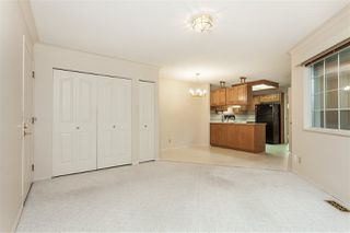 """Photo 6: 105 9781 148A Street in Surrey: Guildford Townhouse for sale in """"Chelsea Gate"""" (North Surrey)  : MLS®# R2375333"""
