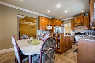 Photo 12: 14926 102A Avenue in Surrey: Guildford House for sale (North Surrey)  : MLS®# R2375572