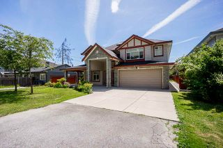 Photo 1: 14926 102A Avenue in Surrey: Guildford House for sale (North Surrey)  : MLS®# R2375572