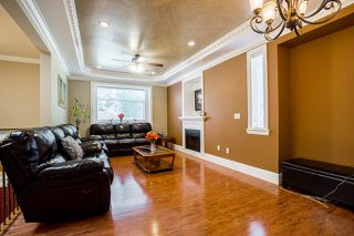 Photo 3: 14926 102A Avenue in Surrey: Guildford House for sale (North Surrey)  : MLS®# R2375572