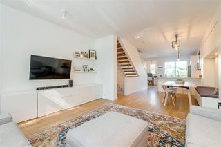 """Photo 4: 11 10996 BARNSTON VIEW Road in Pitt Meadows: South Meadows Townhouse for sale in """"OSPREY VILLAGE"""" : MLS®# R2376732"""