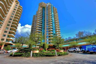 "Photo 1: 5E 328 TAYLOR Way in West Vancouver: Park Royal Condo for sale in ""THE WESTROYAL"" : MLS®# R2380863"