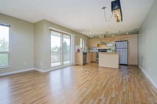 "Photo 3: 11 20350 68 Avenue in Langley: Willoughby Heights Townhouse for sale in ""SUNRIDGE"" : MLS®# R2389347"