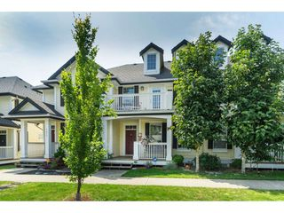 """Photo 2: 7033 179A Street in Surrey: Cloverdale BC Condo for sale in """"Provinceton"""" (Cloverdale)  : MLS®# R2392761"""
