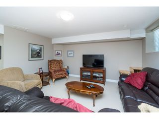 "Photo 16: 7033 179A Street in Surrey: Cloverdale BC Condo for sale in ""Provinceton"" (Cloverdale)  : MLS®# R2392761"