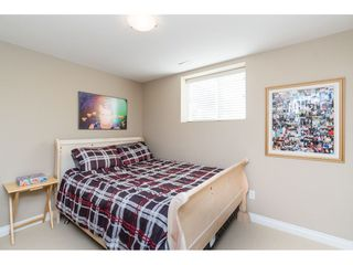 "Photo 15: 7033 179A Street in Surrey: Cloverdale BC Condo for sale in ""Provinceton"" (Cloverdale)  : MLS®# R2392761"