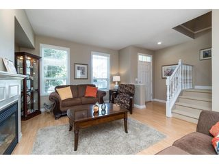 "Photo 4: 7033 179A Street in Surrey: Cloverdale BC Condo for sale in ""Provinceton"" (Cloverdale)  : MLS®# R2392761"