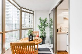 """Photo 9: 503 867 HAMILTON Street in Vancouver: Downtown VW Condo for sale in """"JARDINE'S LOOKOUT"""" (Vancouver West)  : MLS®# R2407224"""
