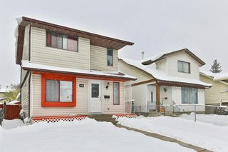 Photo 2: 35 Abergale Close NE in Calgary: Abbeydale Detached for sale : MLS®# C4267496