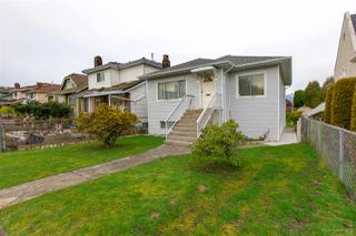 Photo 1: 1159 E 27TH Avenue in Vancouver: Knight House for sale (Vancouver East)  : MLS®# R2433277