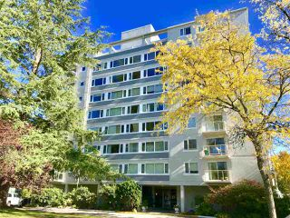 """Photo 1: 604 6076 TISDALL Street in Vancouver: Oakridge VW Condo for sale in """"THE MANSION HOUSE ESTATES LTD"""" (Vancouver West)  : MLS®# R2512974"""