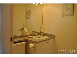 Photo 11: 402 930 Yates Street in VICTORIA: Vi Downtown Condo Apartment for sale (Victoria)  : MLS®# 290238