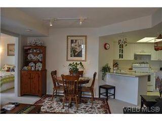 Photo 3: 402 930 Yates Street in VICTORIA: Vi Downtown Condo Apartment for sale (Victoria)  : MLS®# 290238
