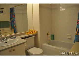 Photo 7: 402 930 Yates Street in VICTORIA: Vi Downtown Condo Apartment for sale (Victoria)  : MLS®# 290238