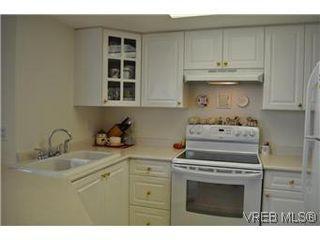 Photo 5: 402 930 Yates Street in VICTORIA: Vi Downtown Condo Apartment for sale (Victoria)  : MLS®# 290238