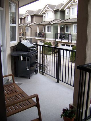 "Photo 3: 27 11720 COTTONWOOD Drive in Maple Ridge: Cottonwood MR Townhouse for sale in ""COTTONWOOD GREEN"" : MLS®# V882022"