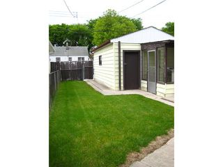 Photo 3: 1056 ASHBURN Street in WINNIPEG: West End / Wolseley Residential for sale (West Winnipeg)  : MLS®# 1110437