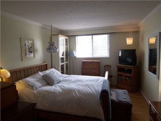 "Photo 6: 302 2381 BURY Avenue in Port Coquitlam: Central Pt Coquitlam Condo for sale in ""RIVERSIDE MANOR"" : MLS®# V891477"