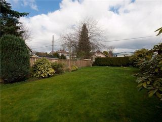 Photo 2: 454 E KEITH RD in North Vancouver: Central Lonsdale House for sale : MLS®# V1028850