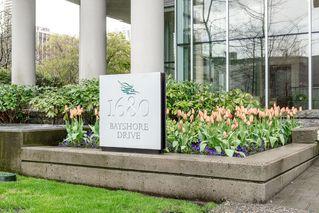 "Photo 23: 504 1680 BAYSHORE Drive in Vancouver: Coal Harbour Condo for sale in ""BAYSHORE GARDENS"" (Vancouver West)  : MLS®# V1059517"