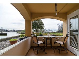 "Photo 20: 112 6 RENAISSANCE Square in New Westminster: Quay Condo for sale in ""RIALTO"" : MLS®# V1111583"