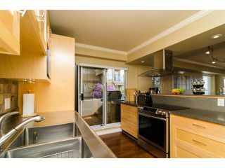 "Photo 13: 112 6 RENAISSANCE Square in New Westminster: Quay Condo for sale in ""RIALTO"" : MLS®# V1111583"
