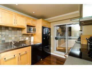 "Photo 12: 112 6 RENAISSANCE Square in New Westminster: Quay Condo for sale in ""RIALTO"" : MLS®# V1111583"