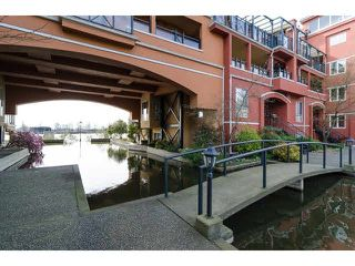 "Photo 3: 112 6 RENAISSANCE Square in New Westminster: Quay Condo for sale in ""RIALTO"" : MLS®# V1111583"