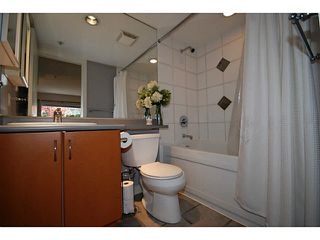 "Photo 9: 3173 W 4TH Avenue in Vancouver: Kitsilano Condo for sale in ""BRIDGEWATER"" (Vancouver West)  : MLS®# V1114933"