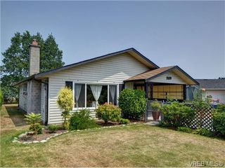 Photo 1: 2119 Redwing Place in SIDNEY: Si Sidney South-West Single Family Detached for sale (Sidney)  : MLS®# 353668