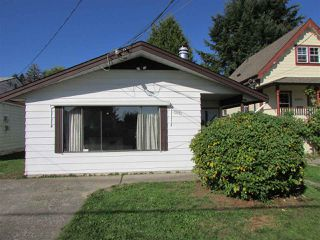 Photo 1: 32971 2ND Avenue in Mission: Mission BC House for sale : MLS®# R2005298