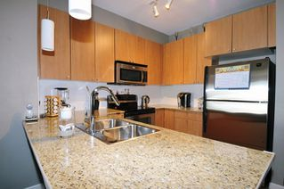 "Photo 13: 313 2477 KELLY Avenue in Port Coquitlam: Central Pt Coquitlam Condo for sale in ""SOUTH VERDE"" : MLS®# R2034912"