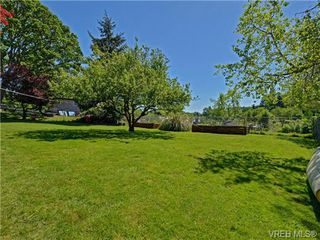 Photo 20: 663 Kent Road in VICTORIA: SW Tillicum Single Family Detached for sale (Saanich West)  : MLS®# 364580