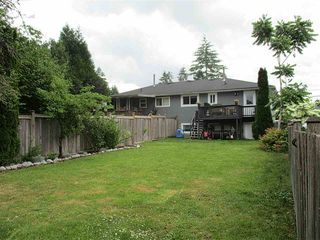 Photo 13: 19359 HAMMOND Road in Pitt Meadows: Central Meadows House 1/2 Duplex for sale : MLS®# R2073945