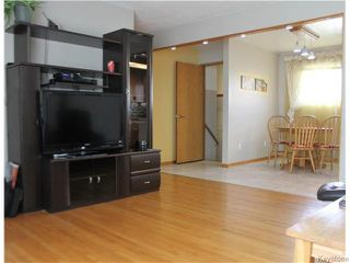 Photo 4: 1115 MONCTON Avenue in Winnipeg: Residential for sale : MLS®# 1615848