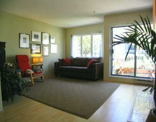 Photo 3: 2255 Ash Street in Vancouver: Home for sale