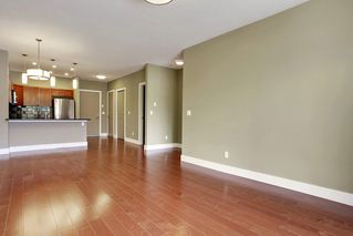 Photo 10: 216 45 Street NW in Montgomery Place: Apartment for sale : MLS®# C4018514