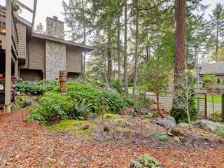 Photo 42: 961 Sunnywood Court in VICTORIA: SE Broadmead Single Family Detached for sale (Saanich East)  : MLS®# 369754