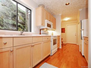 Photo 38: 961 Sunnywood Court in VICTORIA: SE Broadmead Single Family Detached for sale (Saanich East)  : MLS®# 369754