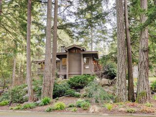 Photo 46: 961 Sunnywood Court in VICTORIA: SE Broadmead Single Family Detached for sale (Saanich East)  : MLS®# 369754
