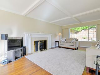 Photo 3: 647 EAST KINGS Road in North Vancouver: Princess Park House for sale : MLS®# R2107833