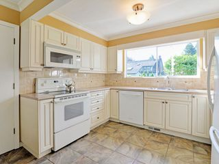 Photo 7: 647 EAST KINGS Road in North Vancouver: Princess Park House for sale : MLS®# R2107833