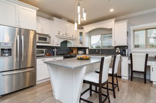 "Photo 9: 21137 77B Street in Langley: Willoughby Heights Condo for sale in ""Shaughnessy Mews"" : MLS®# R2114383"