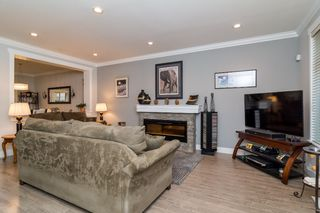 "Photo 6: 21137 77B Street in Langley: Willoughby Heights Condo for sale in ""Shaughnessy Mews"" : MLS®# R2114383"