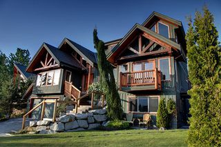 "Photo 1: 1037 GLACIER VIEW Drive in Squamish: Garibaldi Highlands House for sale in ""Garibaldi Highlands"" : MLS®# R2155934"