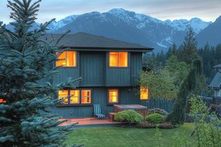 "Photo 20: 1037 GLACIER VIEW Drive in Squamish: Garibaldi Highlands House for sale in ""Garibaldi Highlands"" : MLS®# R2155934"