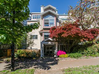 "Photo 1: 309 1465 COMOX Street in Vancouver: West End VW Condo for sale in ""Brighton Court"" (Vancouver West)  : MLS®# R2163687"